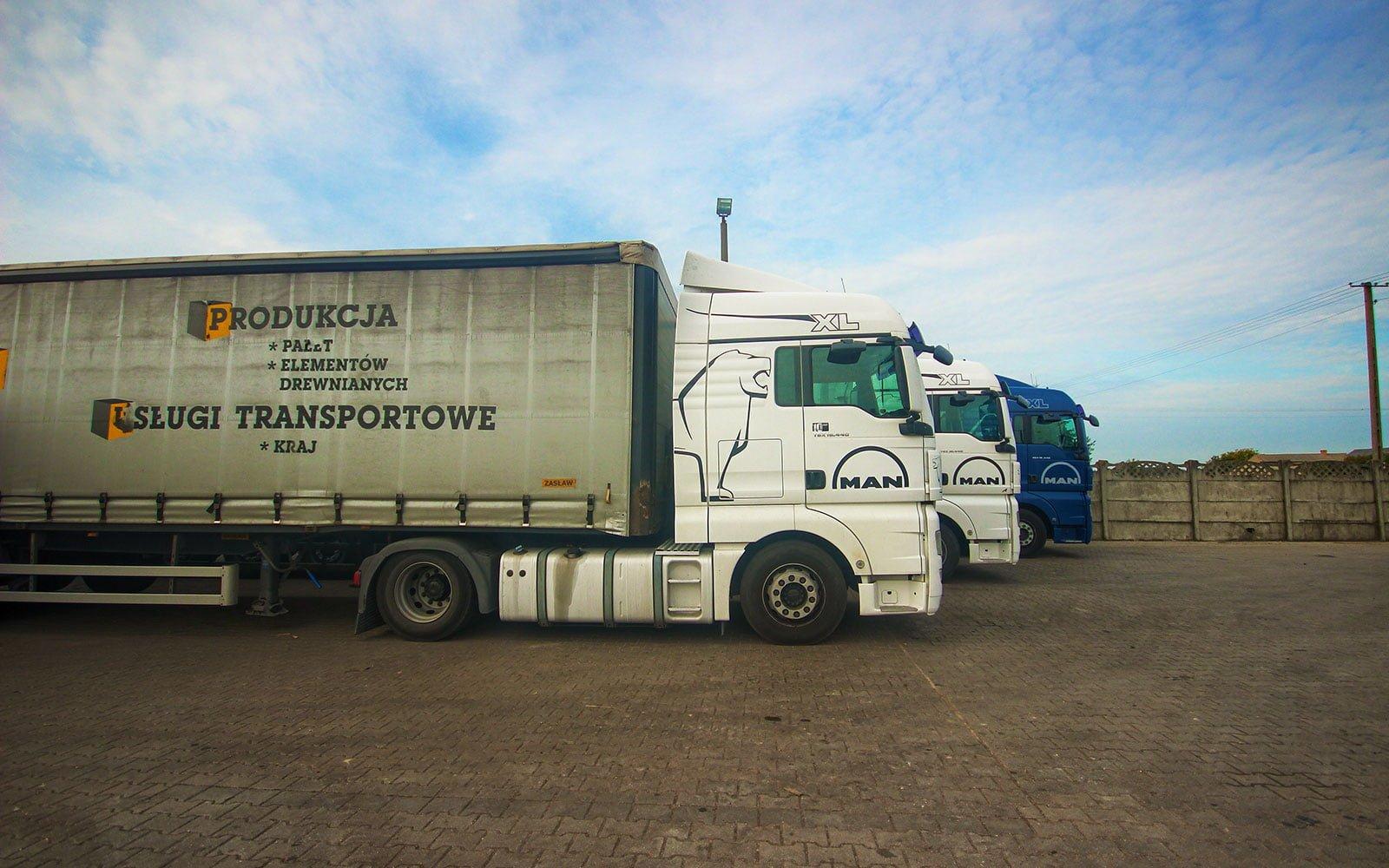 Posiadamy własny transport palet przemysłowych